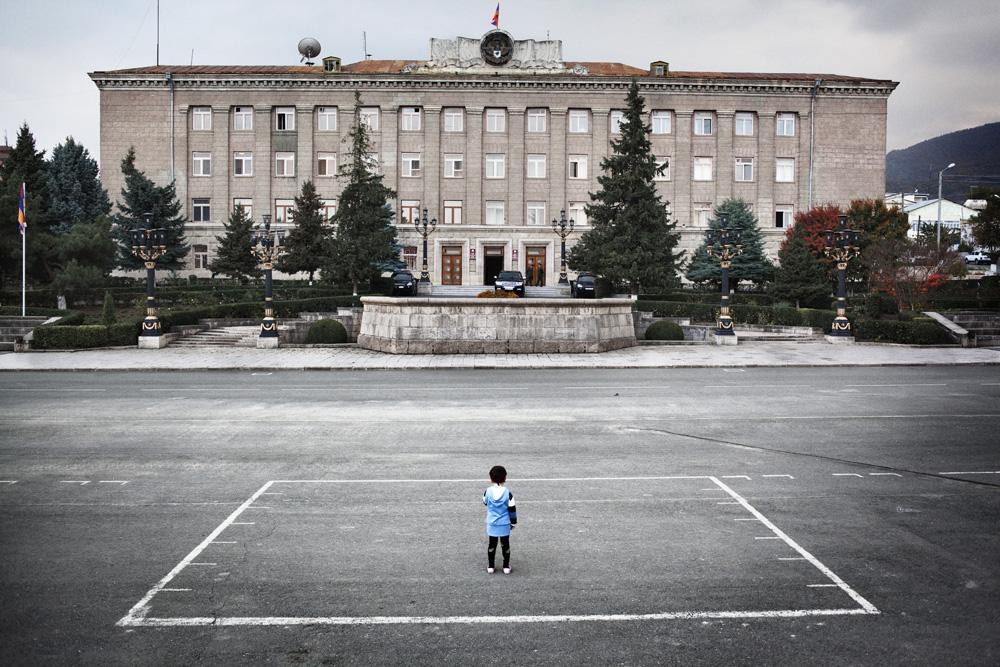 Istana presiden di Stepanakert, Ibu Kota Nagorno-Karabakh.