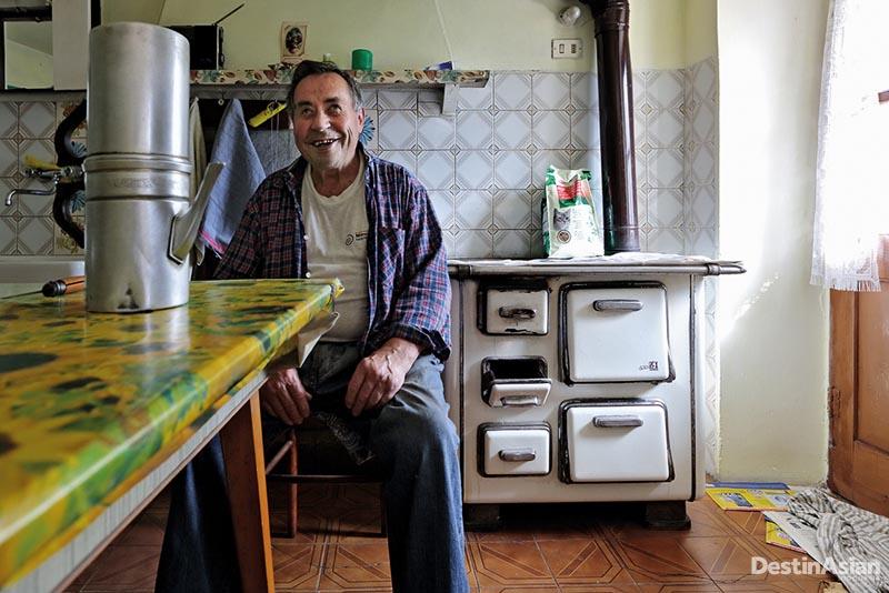 Franco Ribet, satu-satu orang yang tersisa di Desa Balbencia.