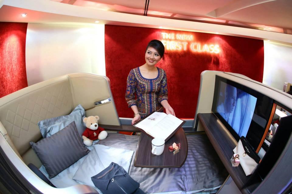 Kursi first class yang bisa diubah menjadi tempat tidur luas. (Foto: Singapore Airline)