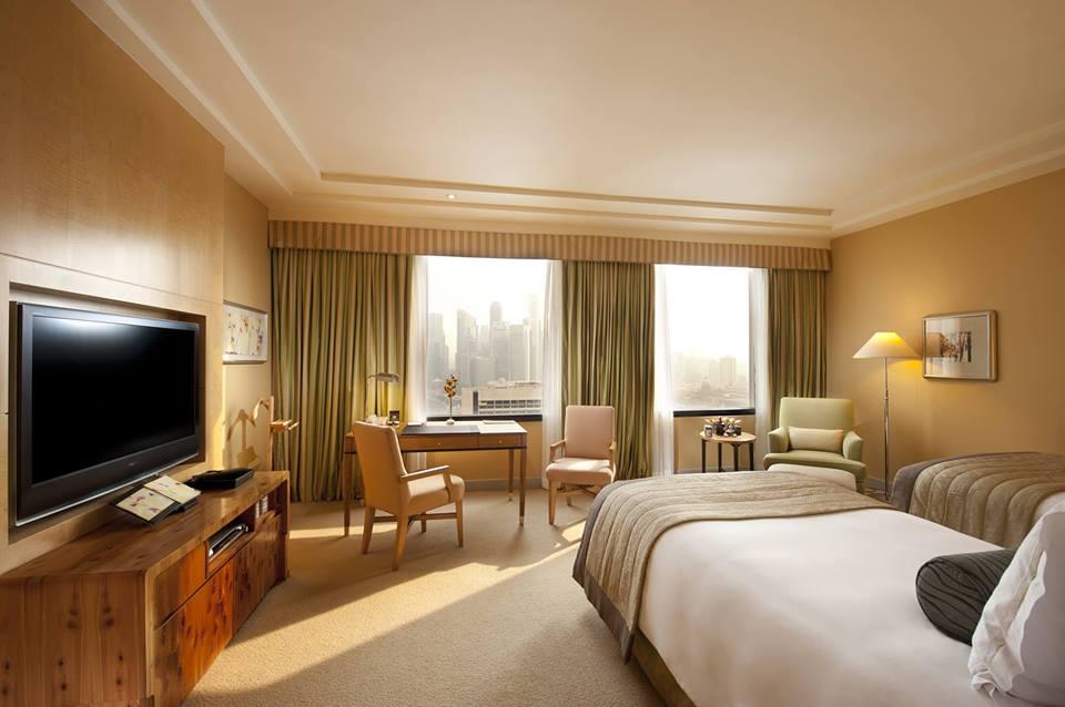 Kamar Executive Room di Conrad Centennial Singapura.