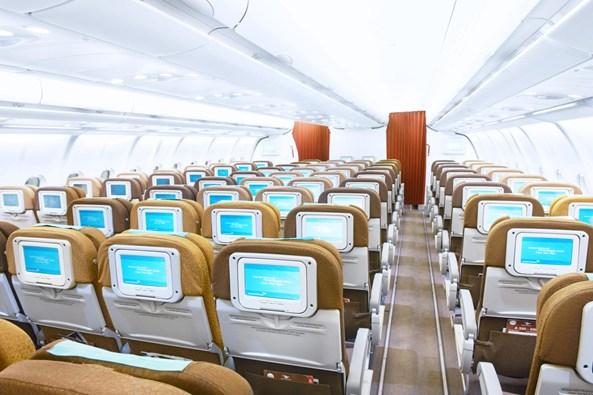 Kabin kelas ekonomi di Airbus 330-300.