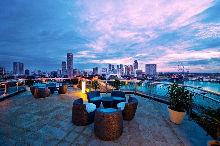 Area rooftop dengan pemandangan spektakuler.