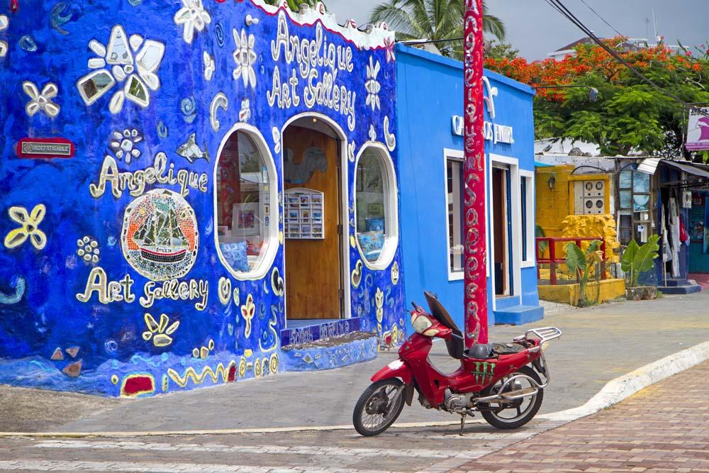 Salah satu sudut Puerto Ayora, kota dengan populasi terbanyak dan infrastruktur terbaik di Galapagos.