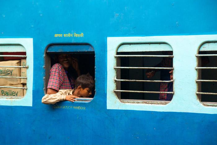 Kereta api di India masih didominasi kereta kelas ekonomi yang tak nyaman.