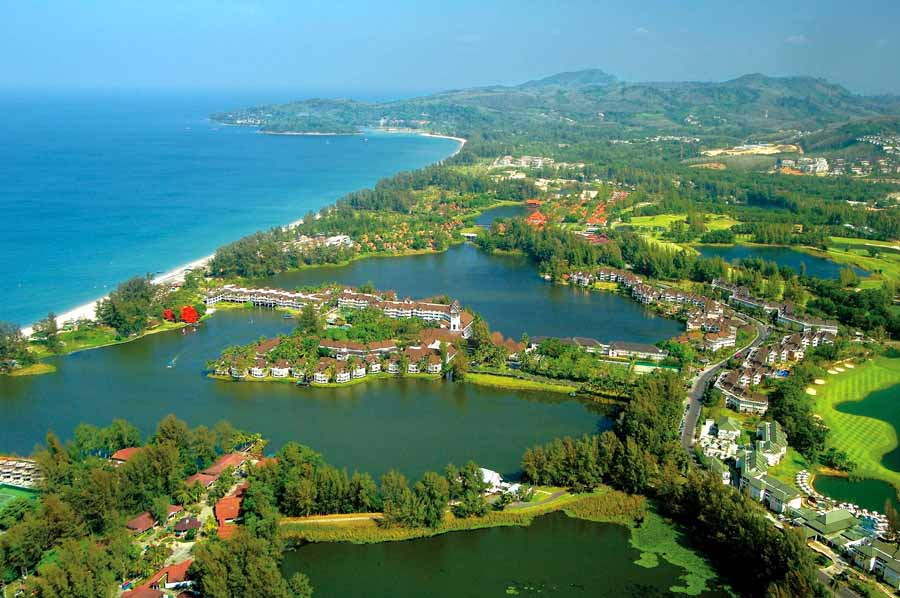Area Laguna Phuket tampak dari udara.