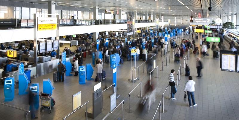 Aplikasi Android smartwatch ini berfungsi di semua destinasi KLM, terutama di Bandara Schiphol Amsterdam.