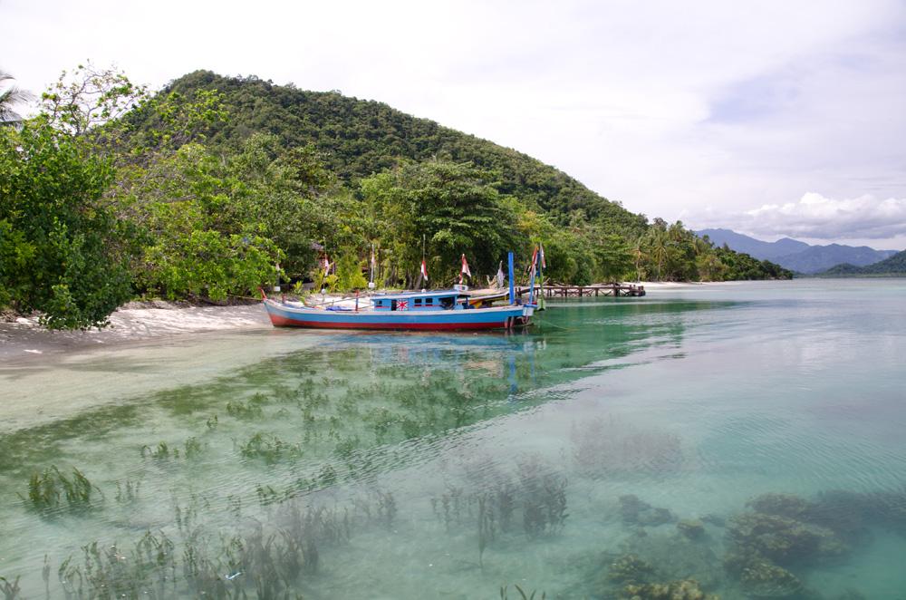 Air bening di Pantai Pahawang Cuku Bedil, Pahawang Besar.