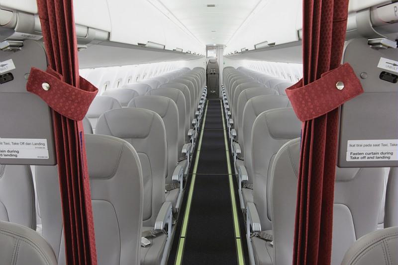 Pesawat ATR72-600 mampu mengangkut 70 penumpang sekali jalan.