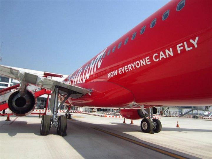 Per 1 Juni 2014, hanya akan ada satu rute tersisa yang dilayani AirAsia dari Makassar.