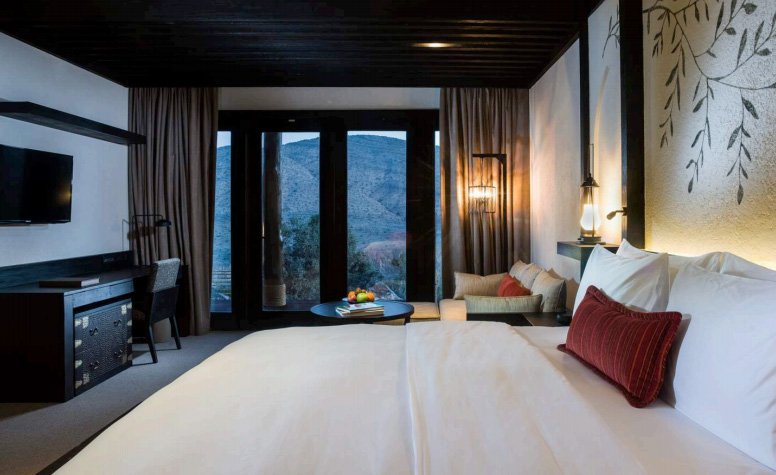 Resor ini menaungi kamar suite dengan amenities paripurna. Pemutar DVD dan iPod bisa disediakan sesuai pesanan tamu.