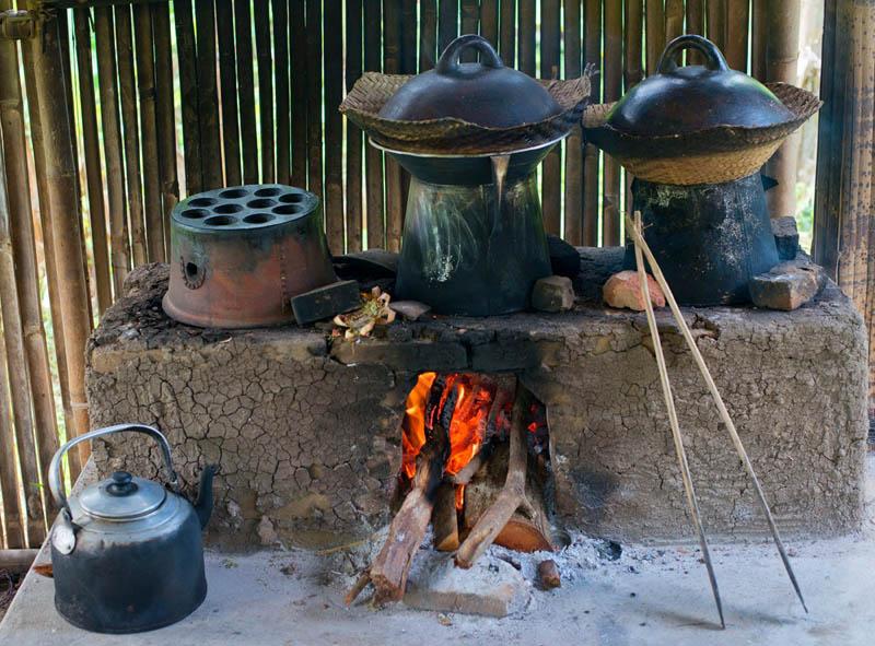 Cara memasak pun autentik.