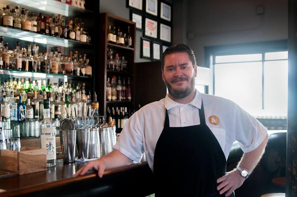 Jared Wentworth dengan spesialisasi hidangan Amerika.