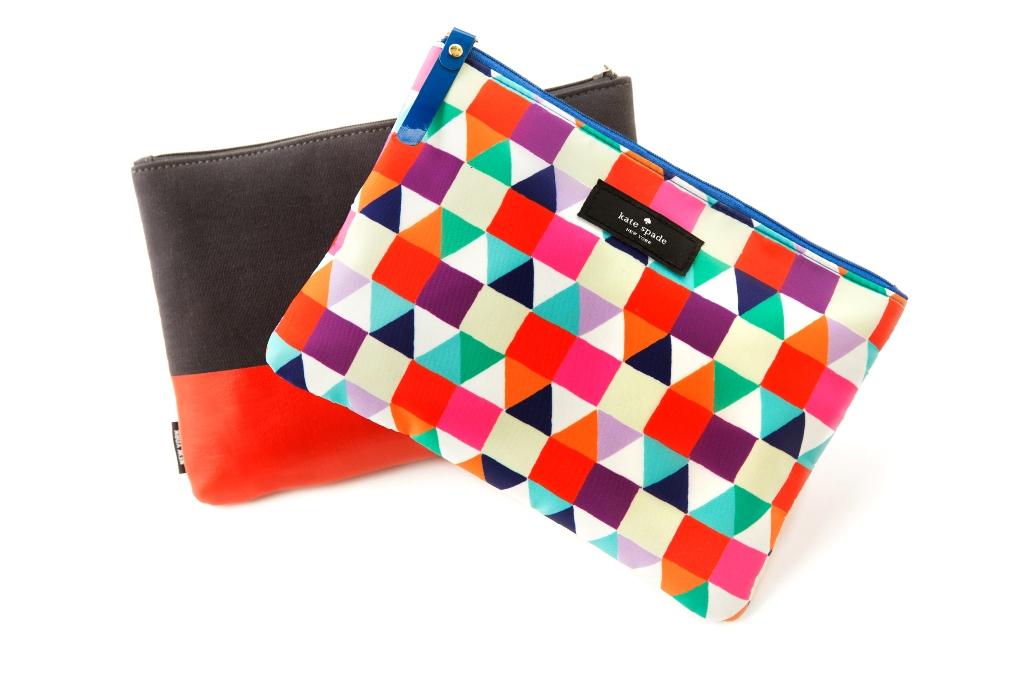 Desain mozaik warna-warni khas Kate Spade untuk penumpang perempuan.