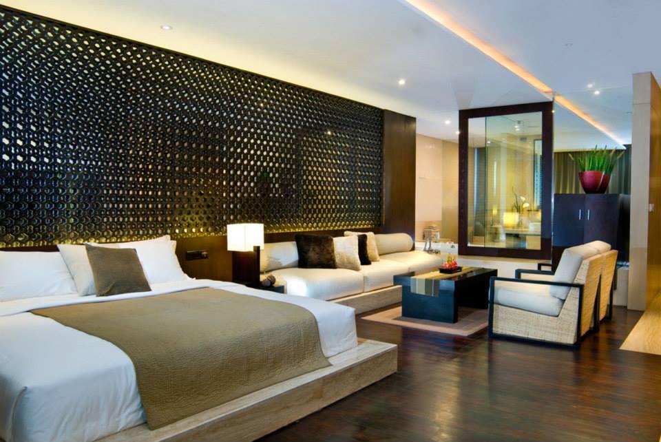 Kamar dengan desain elegan.