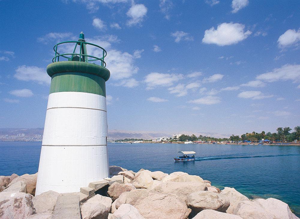 Aqaba, kota pesisir yang menjadi gerbang utama di Yordania.