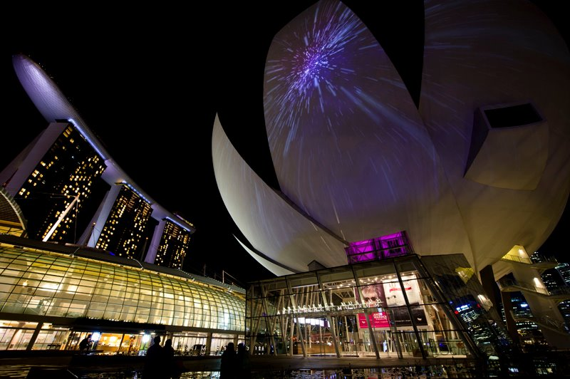 Fasad ArtScience Museum di Marina Bay Sands, Singapura.