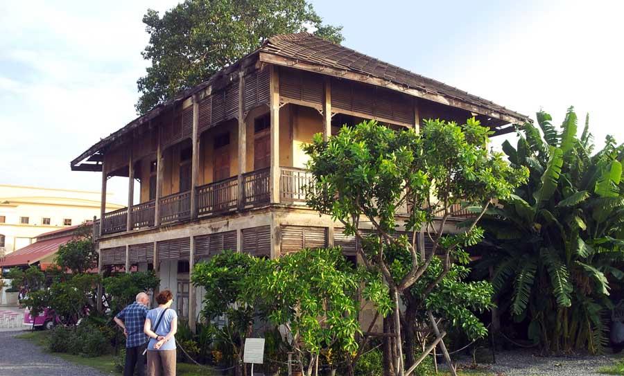 Bangunan tua yang dipertahankan di Asiatique.