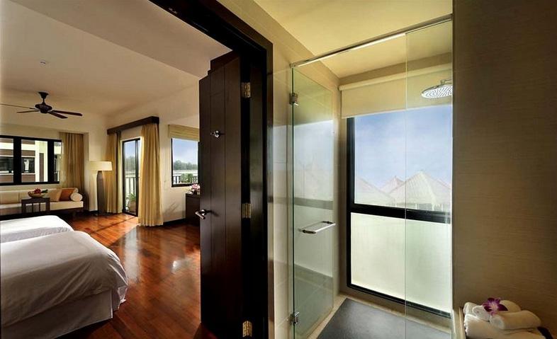 Kamar mandi kini hadir dengan desain baru. Tak ketinggalan pemandangan laut yang memukau.
