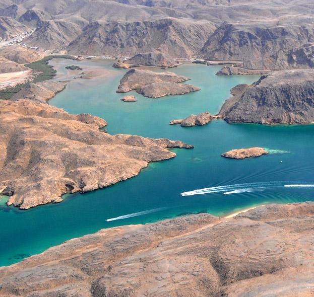 Bandar Al Khayran, salah satu obyek wisata yang berjarak 25 kilometer dari Muscat.