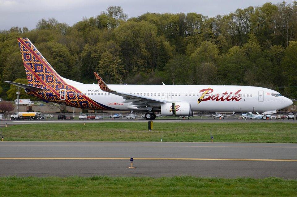 Armada Boeing 737-900ER terdiri atas kelas ekonomi dan kelas bisnis.