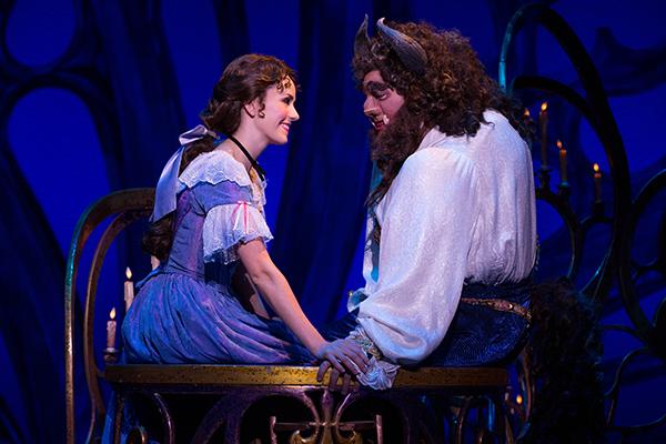 Drama musikal Beauty and the Beast digelar antara 26 Mei-7 Juni 2015 (Foto: Matthew Murphy).
