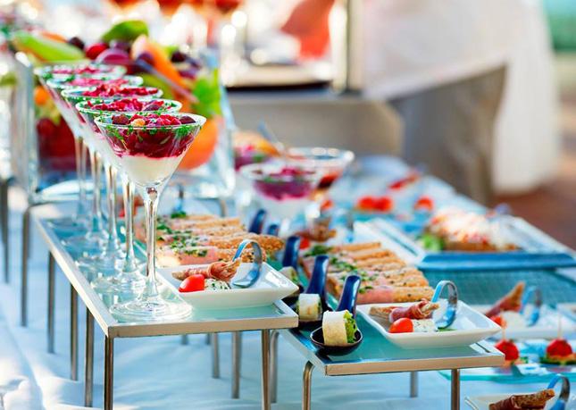Hotel Keraton at The Plaza hadirkan makan malam romantis di restoran Bengawan.