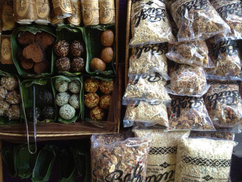 BIASA+ Friday Market menyediakan produk-produk organik dan menyehatkan.