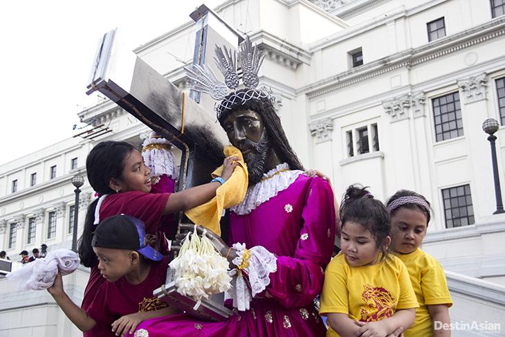 Ritual Menyambut Dewa Gunung