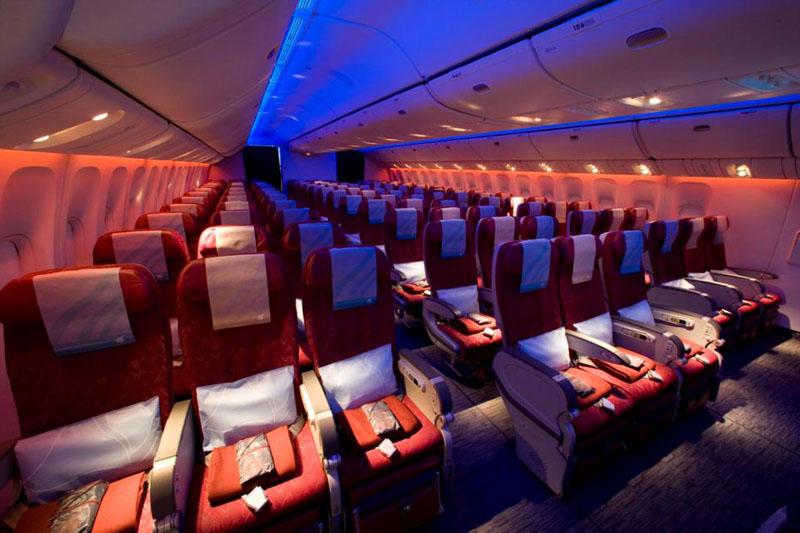Kabin kelas Ekonomi armada Boeing 777-300ER.