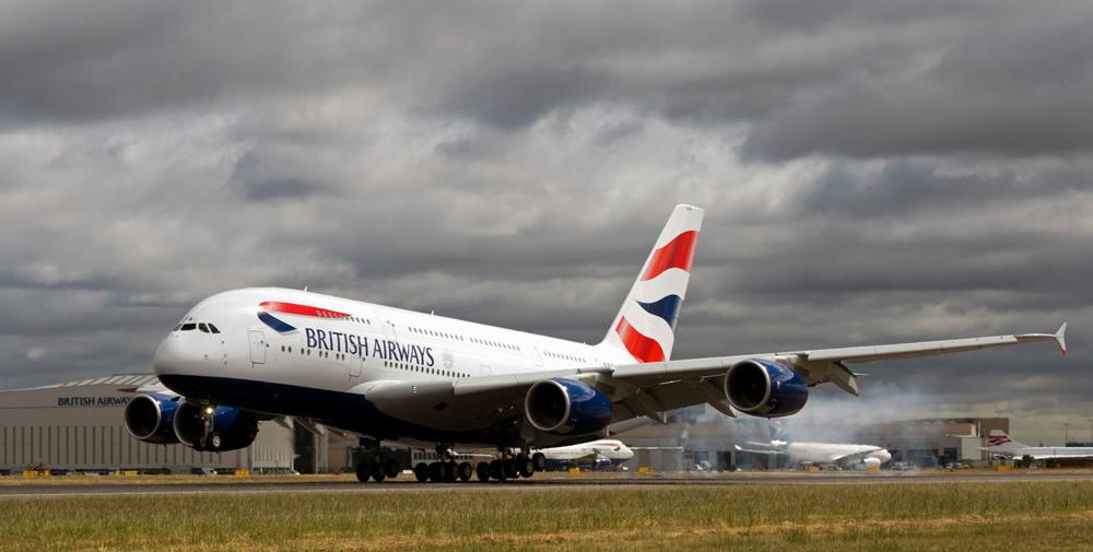 Pendaratan pertama di Bandara Heathrow pada 4 Juli 2013.