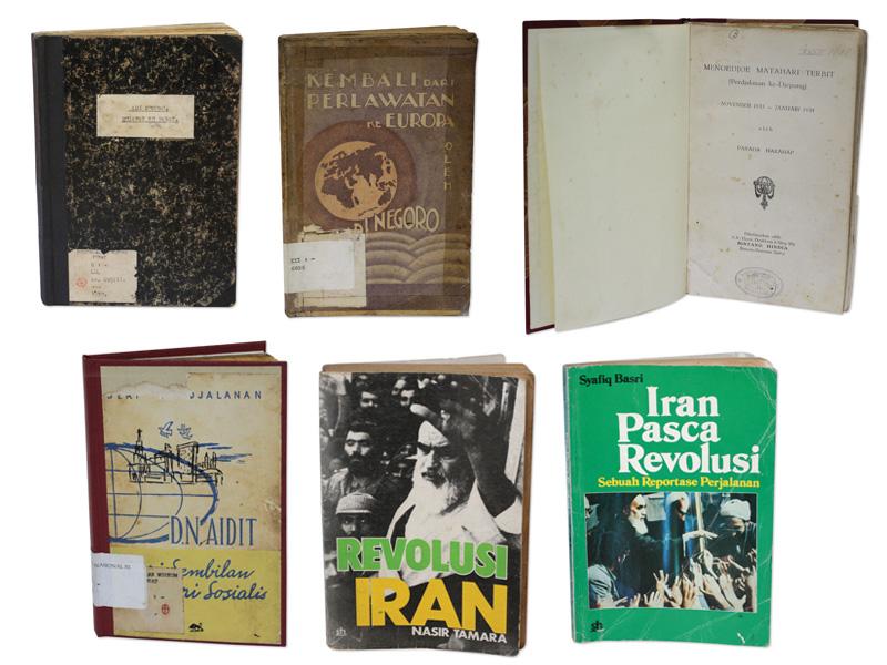 Buku-buku kuno tentang perjalanan ke luar negeri yang ditulis oleh jurnalis hingga aktivis.