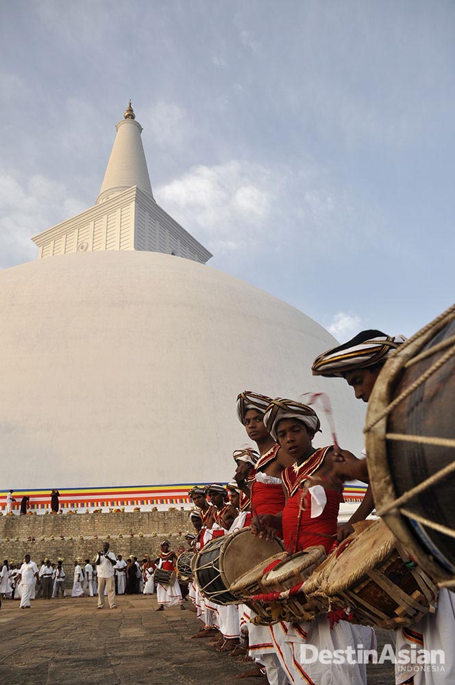 Upacara tradisional Kota Kuno Ruwa di Anuradhapura. (Foto: Corbis)