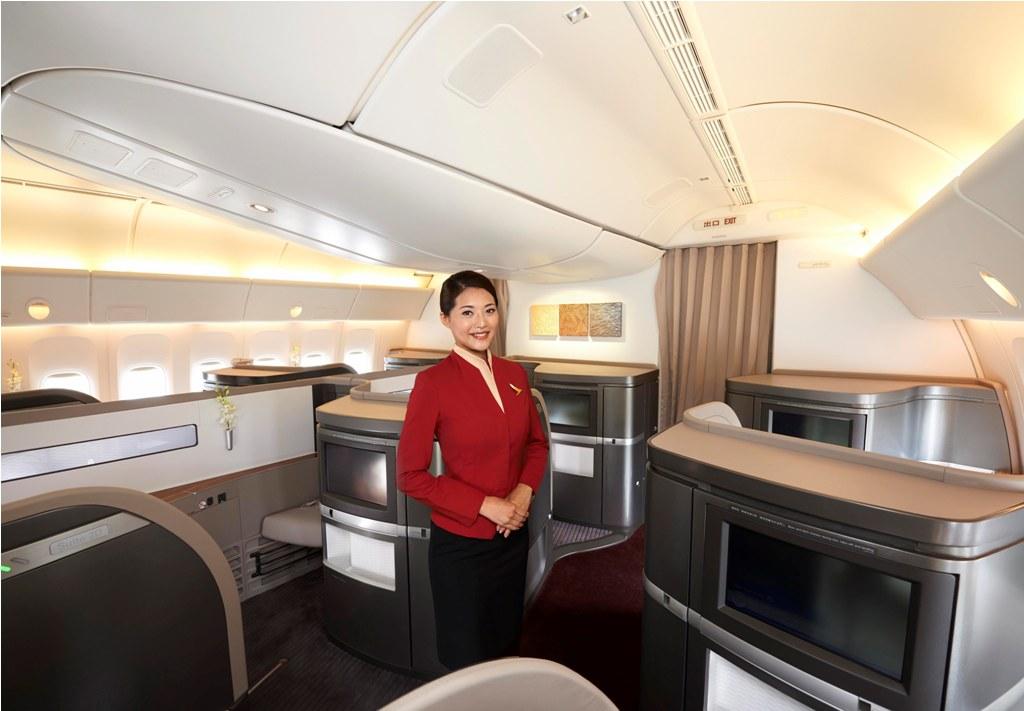 Menu kreasi dua koki Hotel Mandarin Oriental ini tersedia bagi penumpang First Class rute Hong Kong-London.