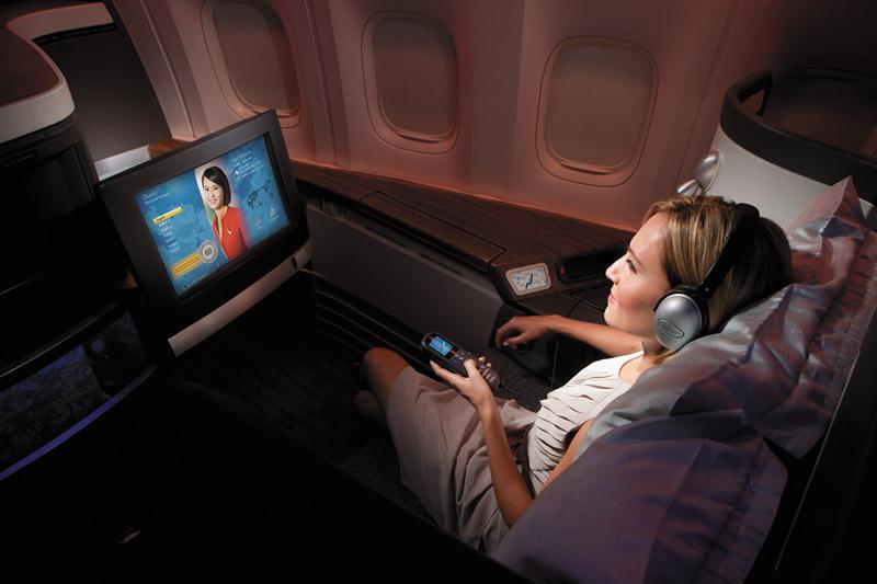 Penerbangan first class tersedia di dalam pesawat tujuan Los Angeles.