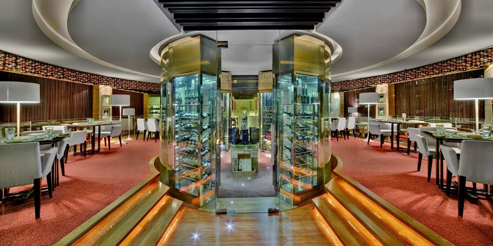 Interior restoran Casa D'Oro.