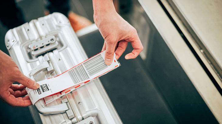Dengan sistem mandiri ini, penumpang tak perlu mengantre di konter bandara.