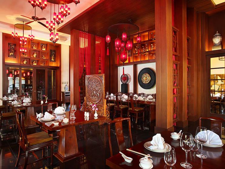 Restoran Ru Yi dengan spesialisasi hidangan khas Cina.