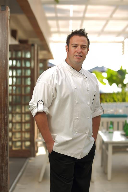 Chef James Ephraim yang akan berkolaborasi dengan Cédric Bourassin.