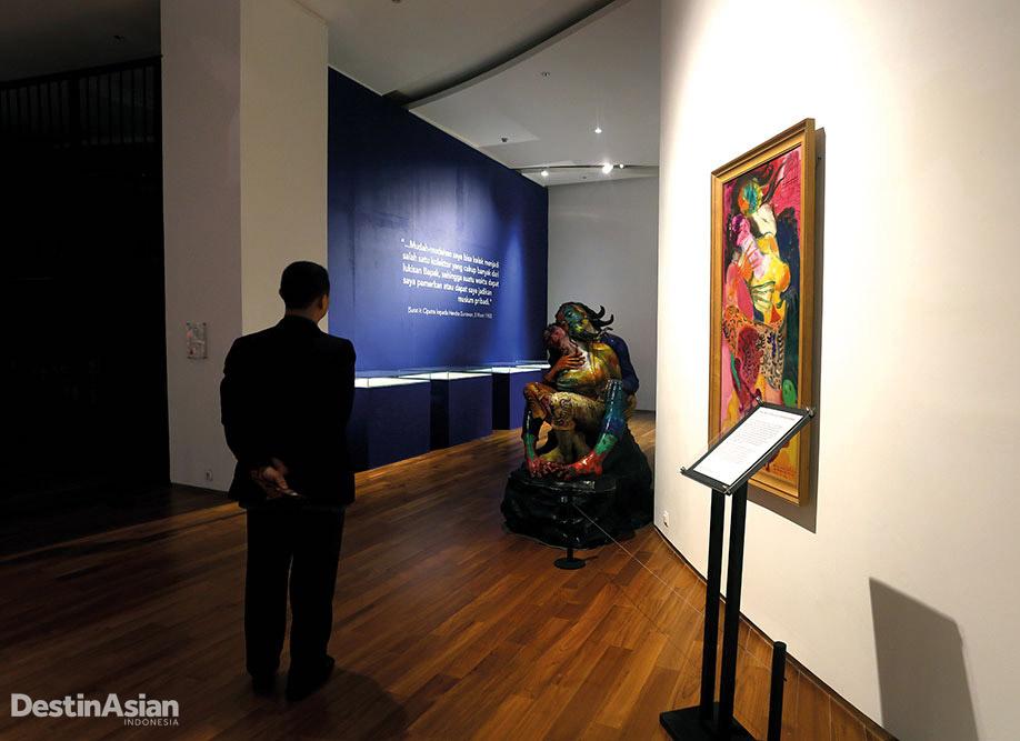 Ciputra Museum tak hanya menampilkan lukisan karya Hendra Gunawan.