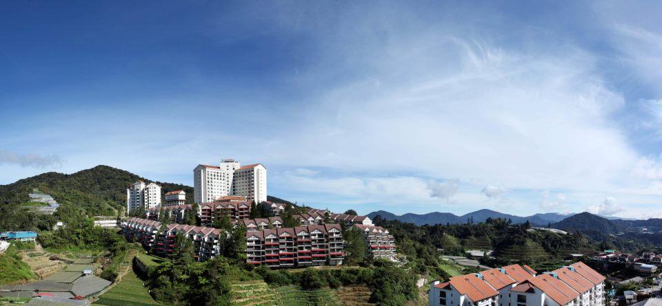 Copthorne Hotel Cameron Highlands yang terletak di lereng gunung.