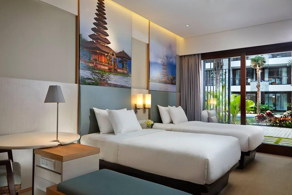 Masing-masing kamar dilengkapi dengan balkon atau teras privat.