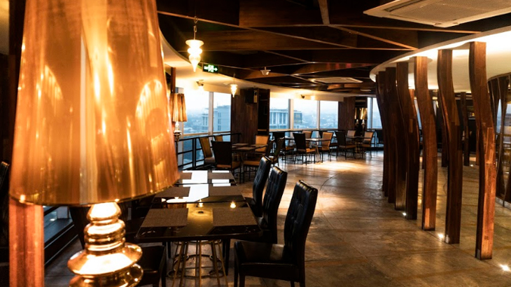 inifinite lounge bandung, crowne plaza bandung