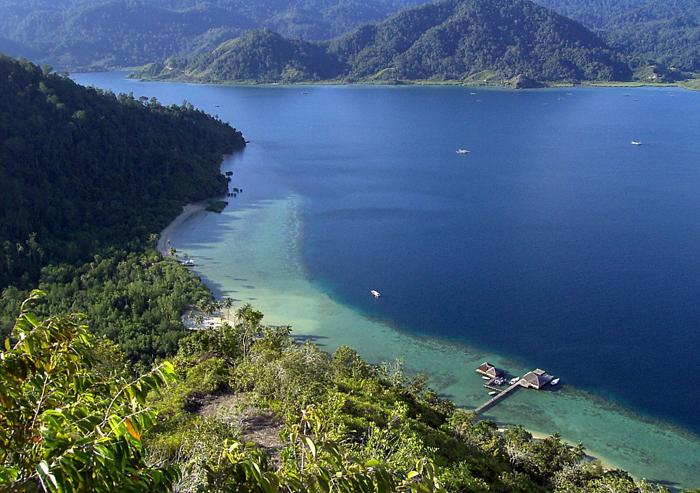 Pantai di Cubadak Paradiso Village dengan air berwarna turkois. (Foto: Cubadak Paradiso Village)