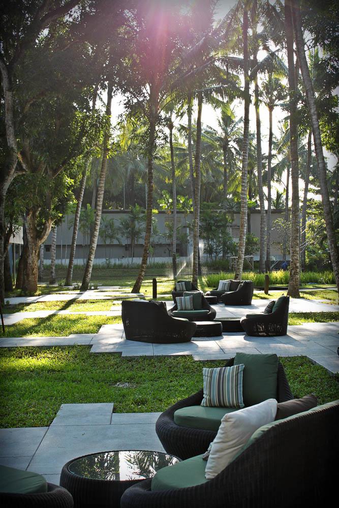 Garden Lounge.