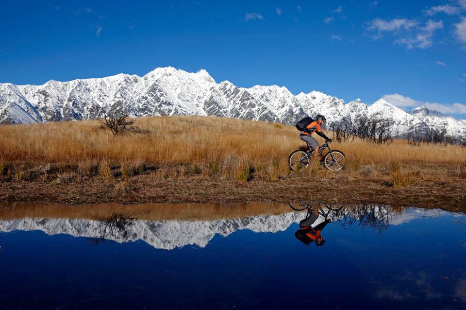 Trek sepeda sepanjang 2.500 kilometer siap membawa turis menyusuri alam-alam indah Selandia Baru. Foto: Chris McLennan/Tourism New Zealand.