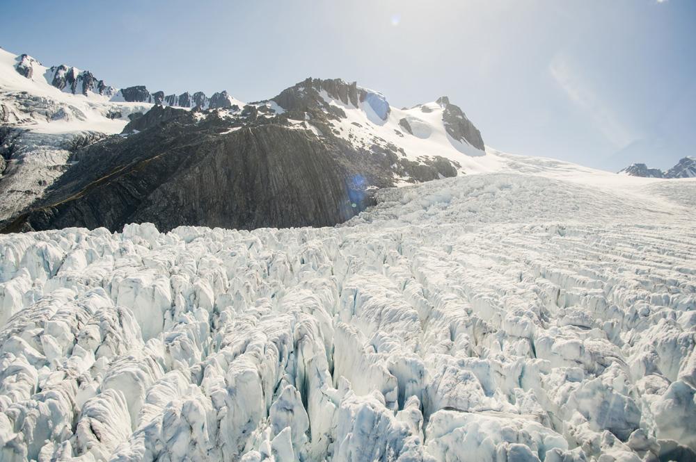Padang es Franz Josef, salah satu gletser yang paling mudah dijangkau manusia.