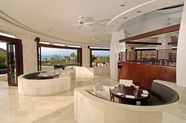 Dava akan menjadi pusat perayaan Hari Kasih Sayang di Ayana Resort and Spa Bali.