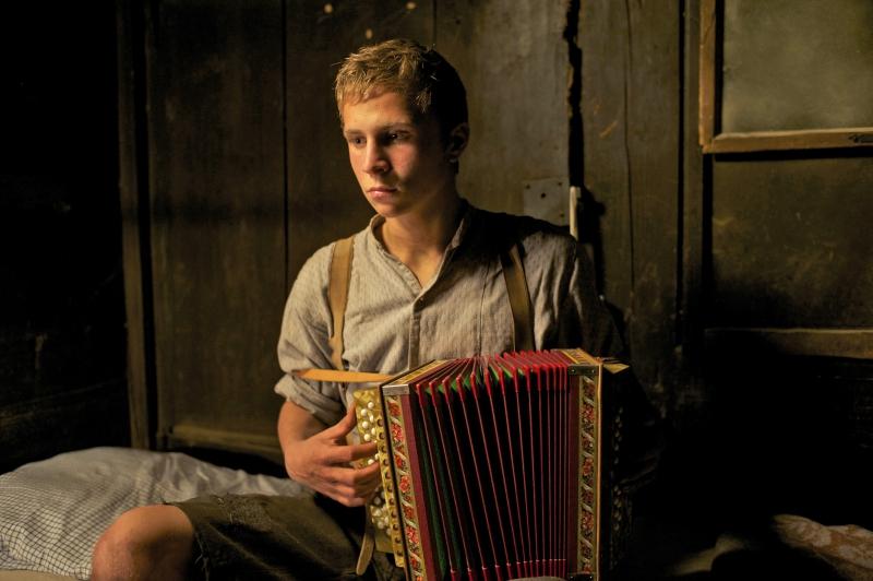 Adegan dalam film Der Verdingbub (The Foster Boy).