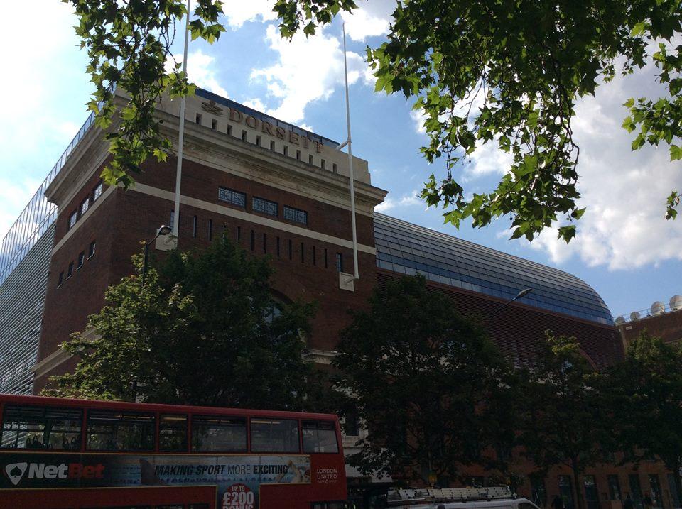 Dorsett Shepherds Bush mendiami bangunan uzur yang sempat difungsikan sebagai bioskop di 1923.