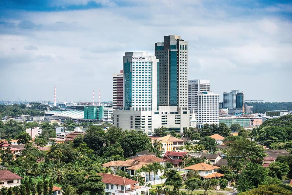 Fasad DoubleTree by Hilton Johor Bahru.